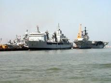 クリックするとインド海軍の記事